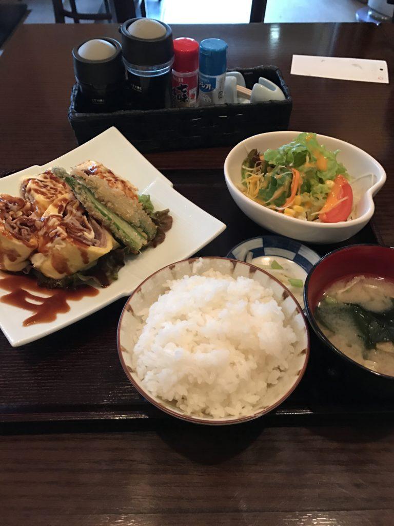 img 0004 768x1024 Osaka (1/3) : orgie alimentaire, cerisiers précoces, pluie, et shopping