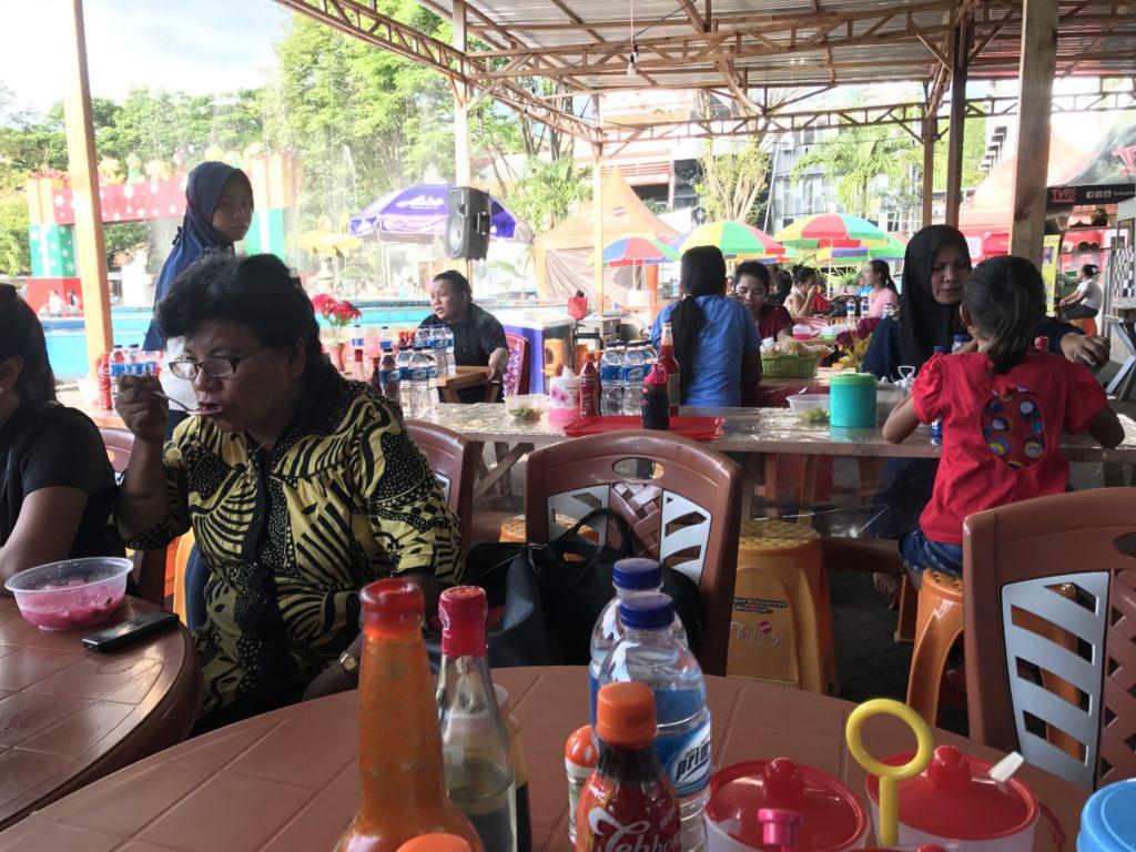 img 5617 1024x768 Manado, Bunaken : street food, snorkeling et bar reggae