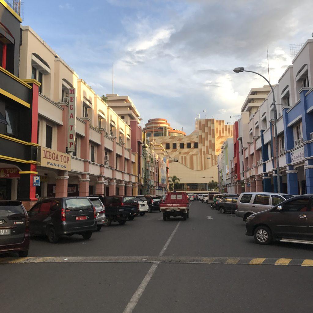 img 5624 1024x1024 Manado, Bunaken : street food, snorkeling et bar reggae