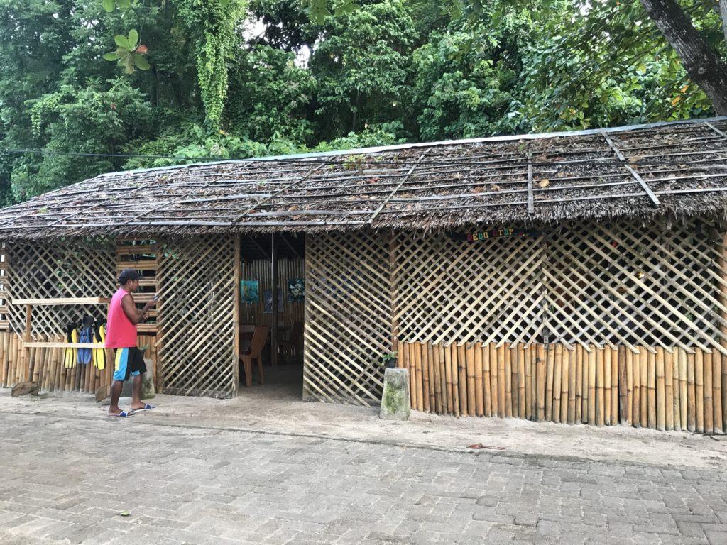 img 5704 1024x768 Manado, Bunaken : street food, snorkeling et bar reggae