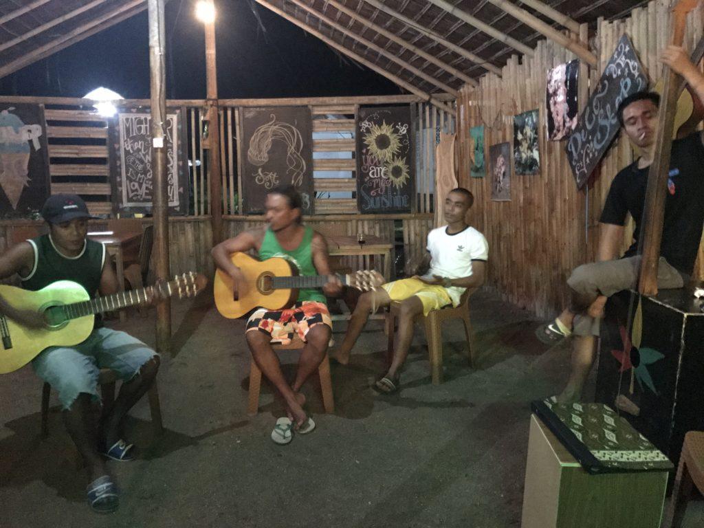 img 5759 1024x768 Manado, Bunaken : street food, snorkeling et bar reggae