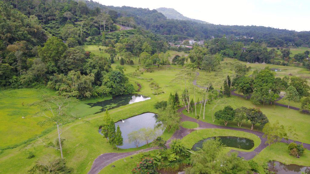 img 6608 1024x576 Tomohon : lacs et collines de soufre, marché extrême et harmonie religieuse