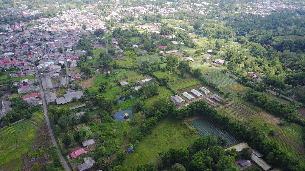 img 6610 1024x576 Tomohon : lacs et collines de soufre, marché extrême et harmonie religieuse