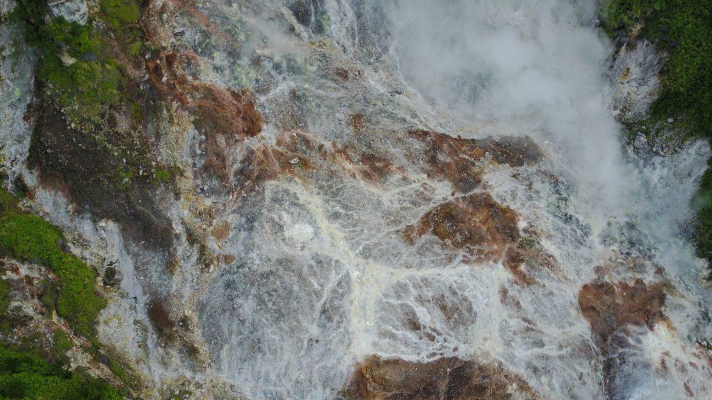 img 6621 1024x576 Tomohon : lacs et collines de soufre, marché extrême et harmonie religieuse