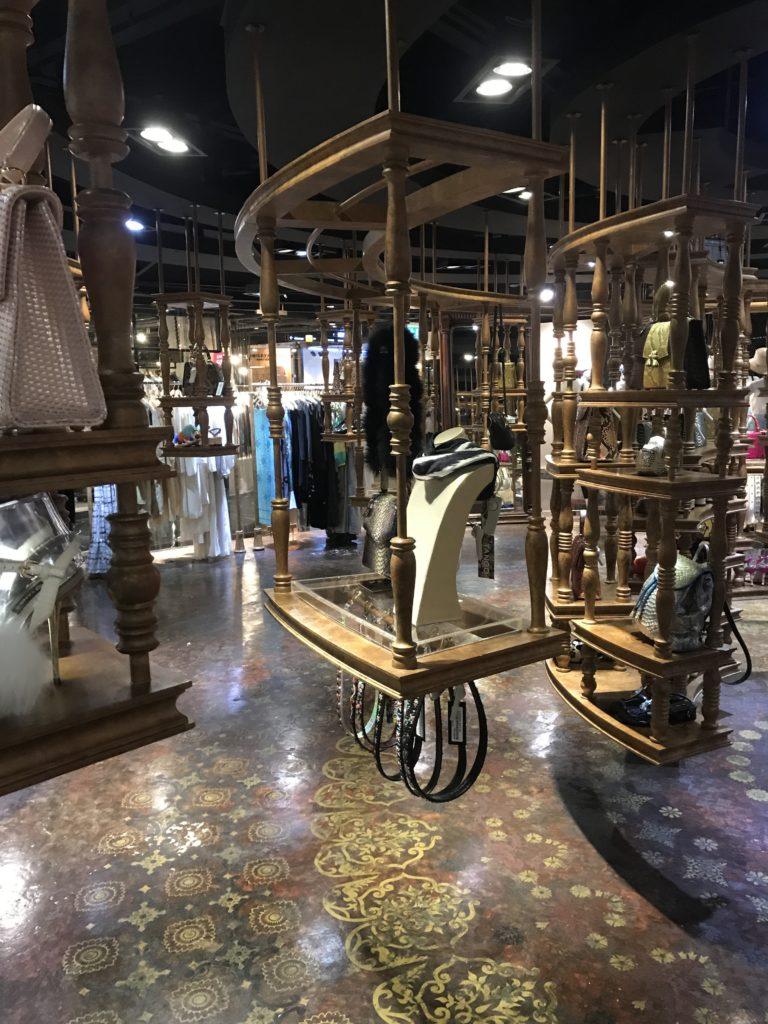 img 6822 768x1024 Bangkok : bouclons la boucle aux temples (du shopping)