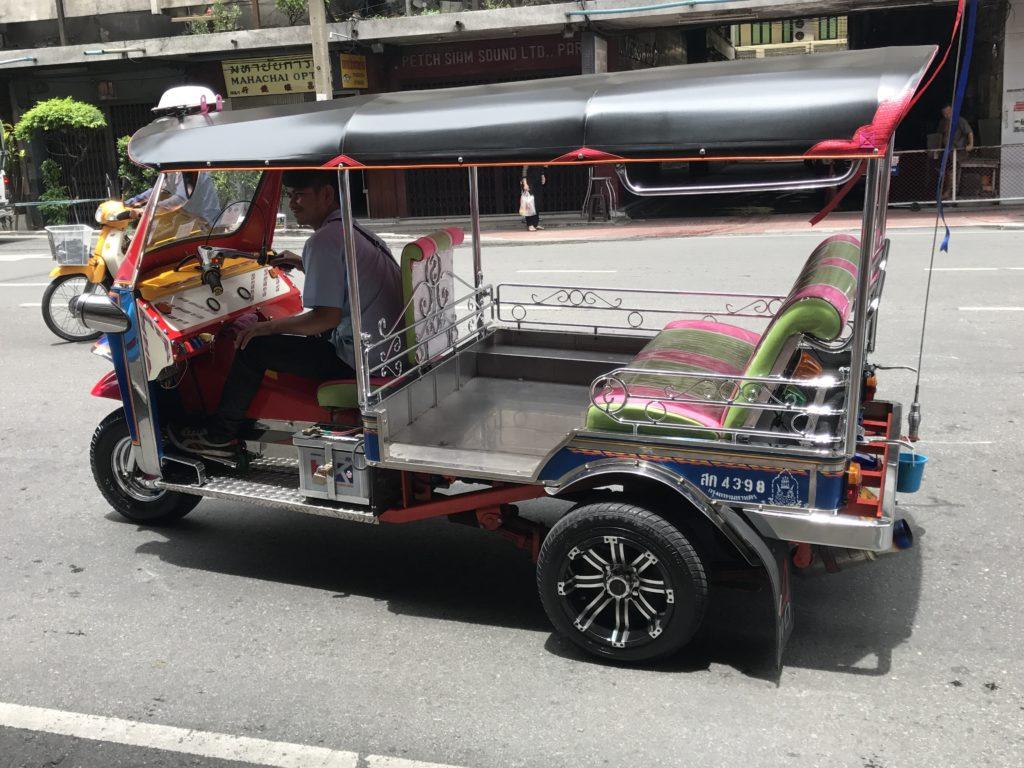 img 6869 1024x768 Bangkok : bouclons la boucle aux temples (du shopping)