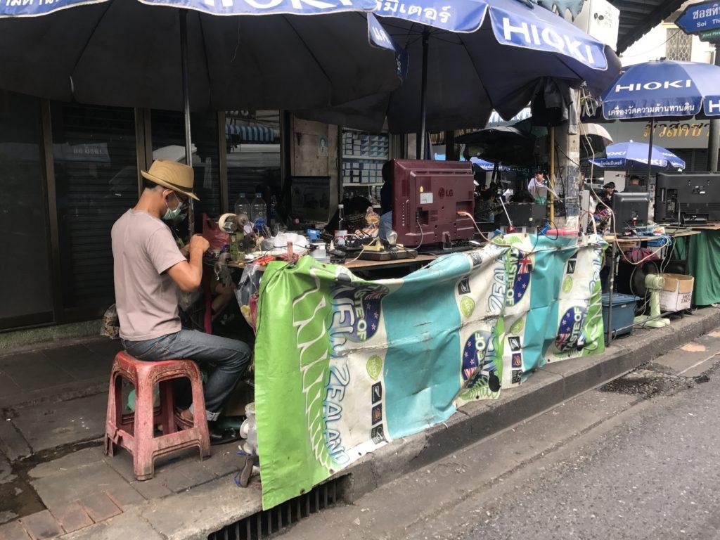 img 6886 1024x768 Bangkok : bouclons la boucle aux temples (du shopping)